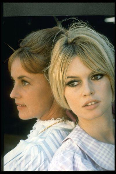 Jeanne Moreau and Brigitte Bardot on the set of<em> Viva Maria!</em>