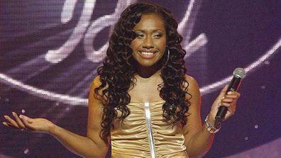 Australian Idol, Paulini Curuenavuli, singing, on stage, gold dress