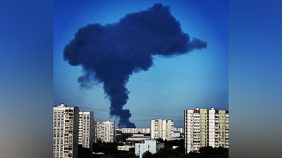 """Muscovites posted photos and videos on social media, with one Instagram user writing """"There's a nuclear war underway in my neighbourhood. Or something is burning. Or some other bad thing happened."""" (Instagram @daryast273)"""