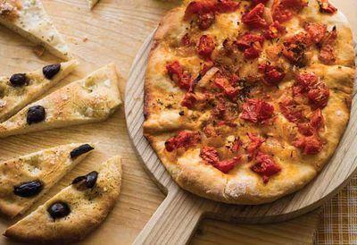 Tomato and onion flatbread