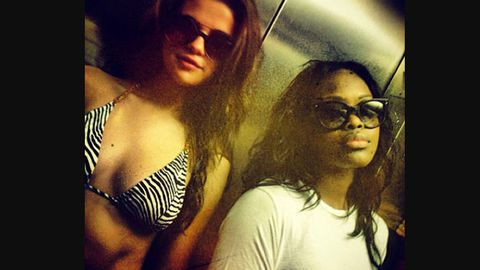 Selena Gomez shares smokin' hot bikini snaps from beach break
