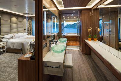 <strong>Azamara Club Cruise Spa Suite</strong>