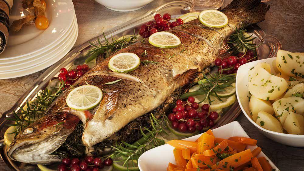 Christmas fish centrepiece