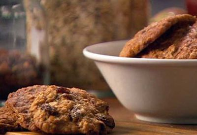 Honey and sultana cookies