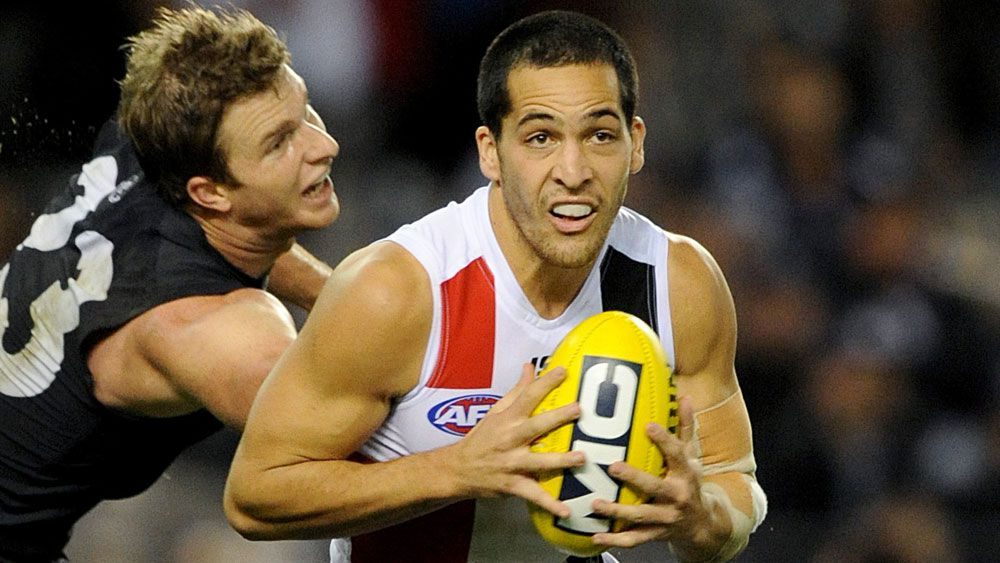 Shane Savage in action for St Kilda. (AAP)