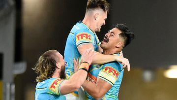 Titans go the length in spectacular team try. (Getty)