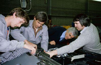 DeLorean Workers