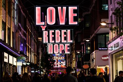 <strong>London, England: Carnaby Street&nbsp;</strong>