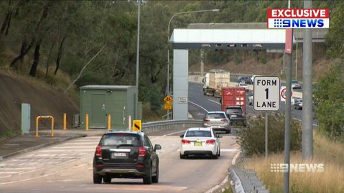 But 9NEWS has learned drivers will need to choose between the lucrative M5 cashback scheme and toll relief. They cannot claim both.