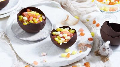 "<a href=""http://kitchen.nine.com.au/2017/04/07/15/08/jelly-belly-easter-smash-eggs"" target=""_top"">Jelly Belly Easter smash eggs</a>&nbsp;recipe"