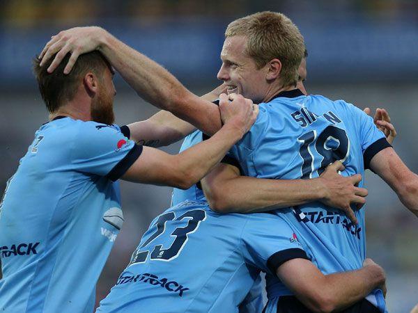 Sydney FC celebrate a Matt Simon goal in the 3-1 victory. (Getty)