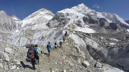 190503 Mount Everest clean up campaign bodies found News World