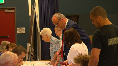 Luke Foley pictured voting this morning. (9NEWS)