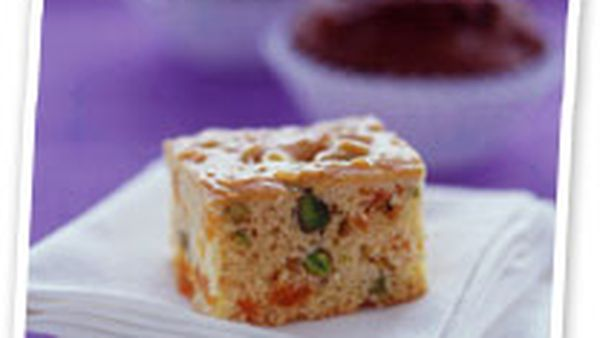 Apricot and pistachio slice