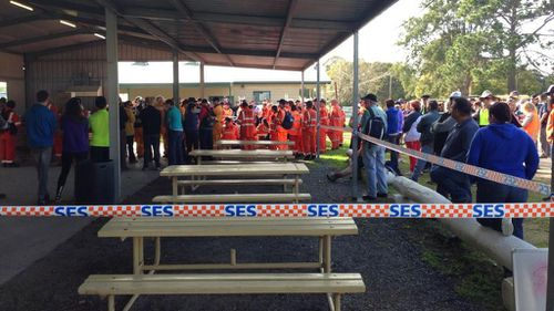 Hundreds of SES, RFS and local volunteers have joined the search for William Tyrell. (9NEWS)