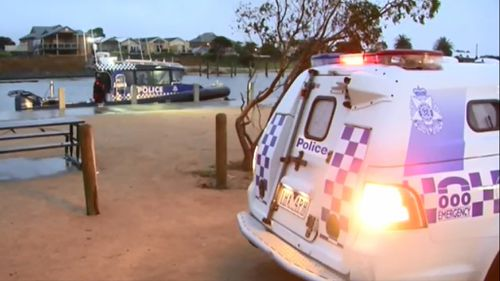 Fisherman drowns after falling into rough waters off Melbourne pier