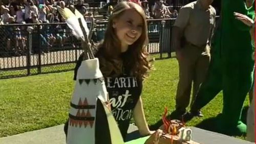 Bindi Irwin celebrates 18th birthday with zoo party