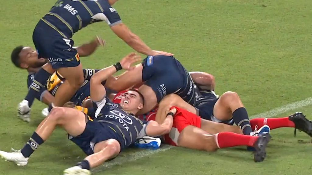 Cowboys hardman shreds his own 'embarrassing' team after heavy loss to Titans