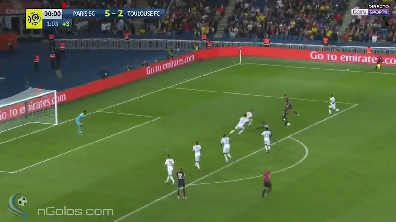 Neymar fires for PSG