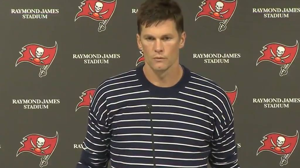 Tom Brady abruptly exits press conference when asked about Buccaneers' coaching