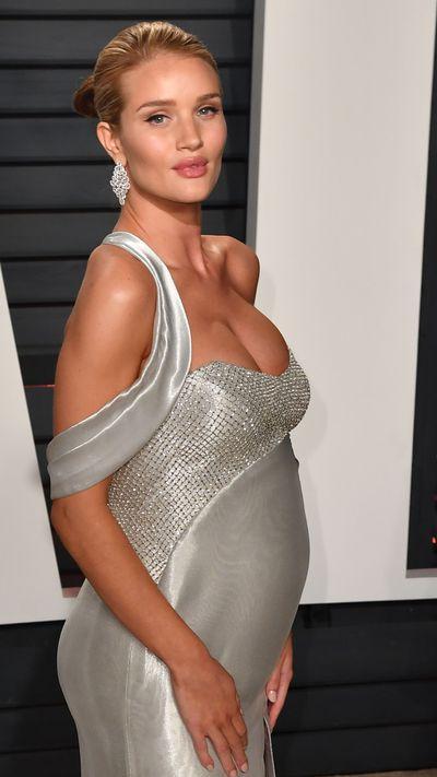 Vanity Fair Oscar Party 2017 and Rosie's bump is on display.