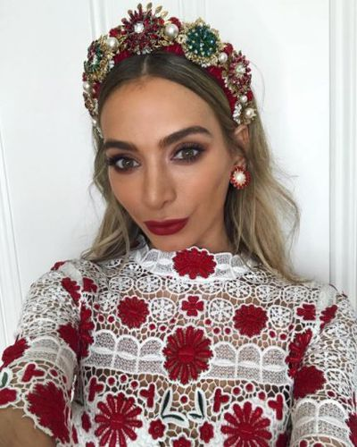 <p>Fashion blogger Nadia Bartel - gorgeous in red and white with the sweetest of head pieces to match.</p> <p>Bartel, wearing Thurley</p>