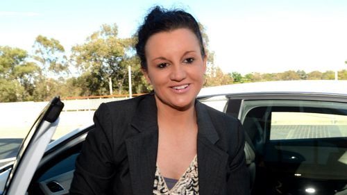 Lambie to hold talks with Hunt on renewable energy target