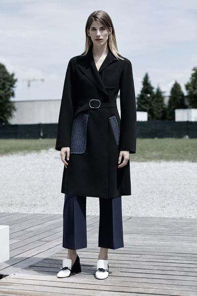 <p>Street style star Veronika Heilbrunner puts her <em>je ne sais quoi</em> to work as the face of Sportmax's Resort SS16 campaign.</p>