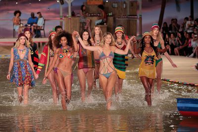 If a front row could speak a thousand words, Tommy Hilfiger's would be a love letter to the all-American dream, while Jeremy Scott's would be a fantastical comic book of technicolour and Looney Tunes.