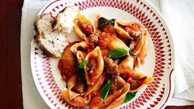 "Recipe: <a href=""http://kitchen.nine.com.au/2016/05/12/17/59/pasta-with-italian-sausage"" target=""_top"">Pasta with Italian sausage</a>"