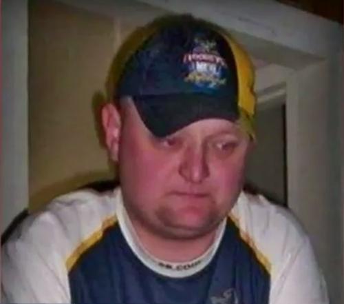 Plaidoyer familial pour obtenir des informations dans l'affaire froide de dix ans d'un homme disparu Brian Cairney 1