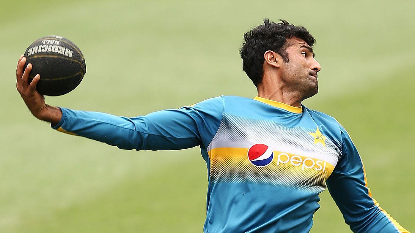 Sohail Khan throws ball