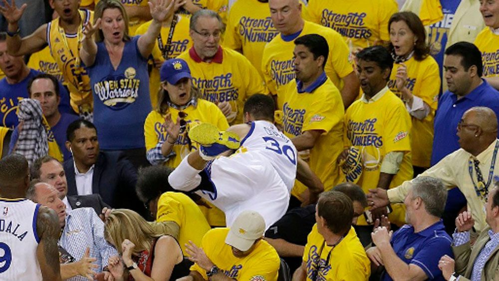 Curry sends fans diving for cover