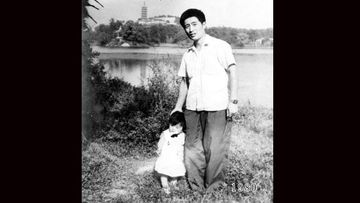 """<p>A Chinese father and his daughter have recorded their passage through time by taking a photo together at the same spot every year for 35 years. </p><p> In 1980, young father Hua Yunqing stood with his daughter HuaHua for a photograph in front of a picturesque lake in the city of Zhenjiang in the province of Jiangsu in China's east. </p><p> The family would make the day trip again the following year to take another photo of father and daughter in the same spot. And then again the following year. </p><p> Hua and HuaHua have posed for their annual photo 34 times over the past 35 years as the two grew older and the world changed around them. </p><p> """"I didn't have any thought of doing the same thing again but when I got the photo back, I liked it so much that when we went back the next year I repeated it,"""" Hua said after posting the photos taken at Taying Lake online. </p><p> """"After that it became sort of the family tradition and we did it every year with only one break in 1998 when my daughter did not join us for the family holiday and was abroad."""" </p><p> The photographs have become a family custom, documenting Hua's move from young dad to grandfather as HuaHua grew from baby to child, awkward teen to university student before becoming a mother herself. </p><p> Take a look through at the charming photos recording two young families' journey through time. </p><p> </p>"""