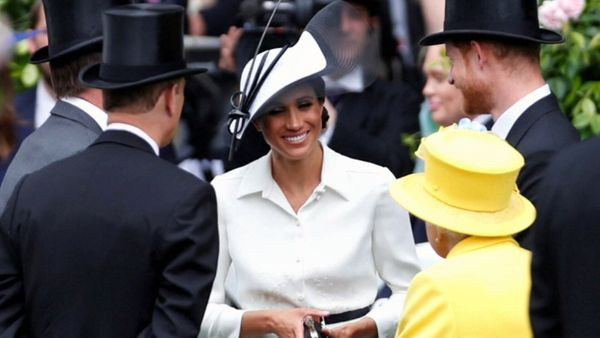 Why Meghan Markle wears shoes that are a size too large - 9Honey aac996c684b