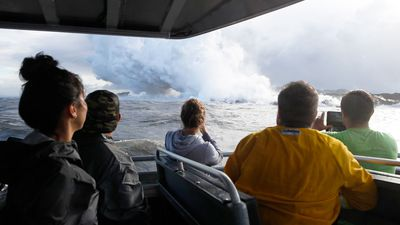 Exploding lava on Hawaii tour boat, injuring 23