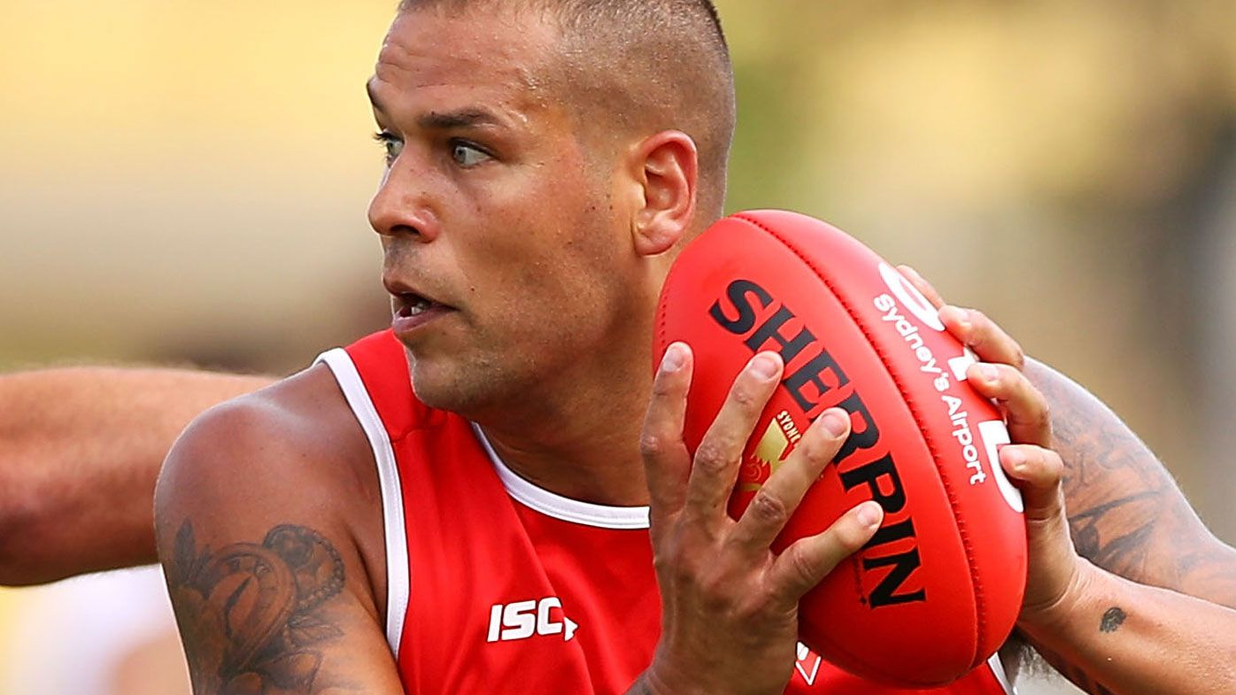 Sydney Swans AFL superstar Lance Franklin has knee surgery, out for 10 weeks