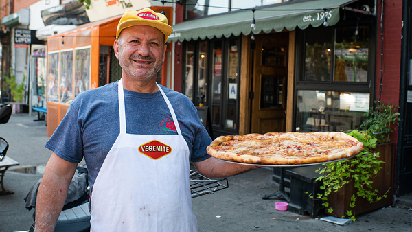 Giovanni Fabiano from Rosa's Pizza hopes to inspire Aussies to cook with Vegemite via his new Vegemite pizza.