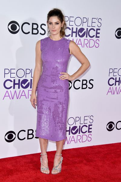 <p>Ashley Greene in shiny lilac Jeffrey Dodd sheath paired with strappy silver heels.</p> <p>Image: Getty.</p>