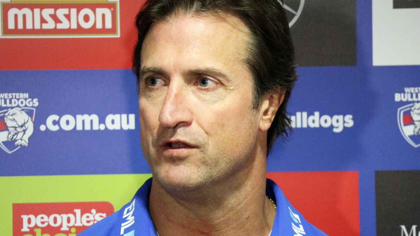 Western Bulldogs coach Luke Beveridge angered by 'unethical', 'fabricated' AFL trade report