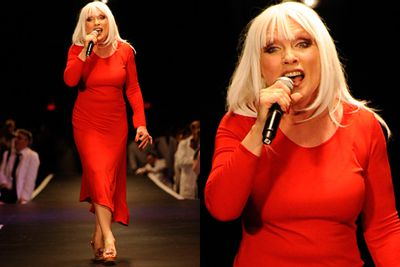 Blondie dons red for a stellar performance.