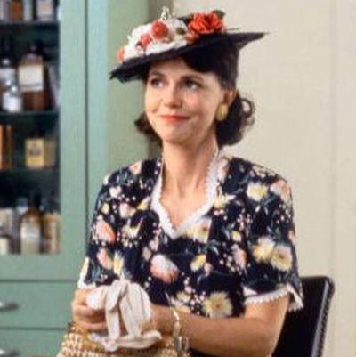 Sally Field as Mrs Gump: Then