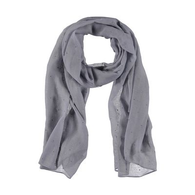"<a href=""http://www.kmart.com.au/product/facet-studded-scarf/2026403"" target=""_blank"" draggable=""false"">Kmart Facet Studded Scarf, $7</a>"