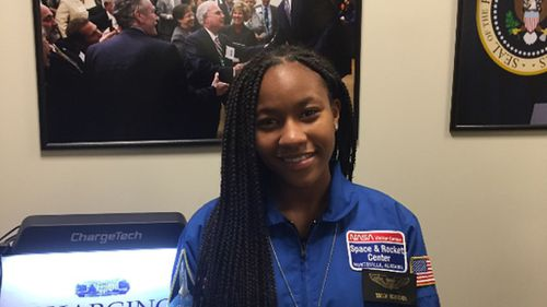 Aspiring astronaut raises money to take 100 girls to see empowering film 'Hidden Figures'