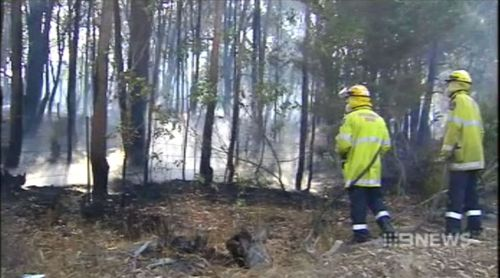 WA homes under threat after bushfire breaks containment lines