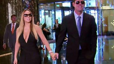 Mariah Carey is expected to be the star attraction at Melbourne's Crown Resorts New Year's Eve party. She flew to Australia to spend the special night with her partner James Packer. (9NEWS)