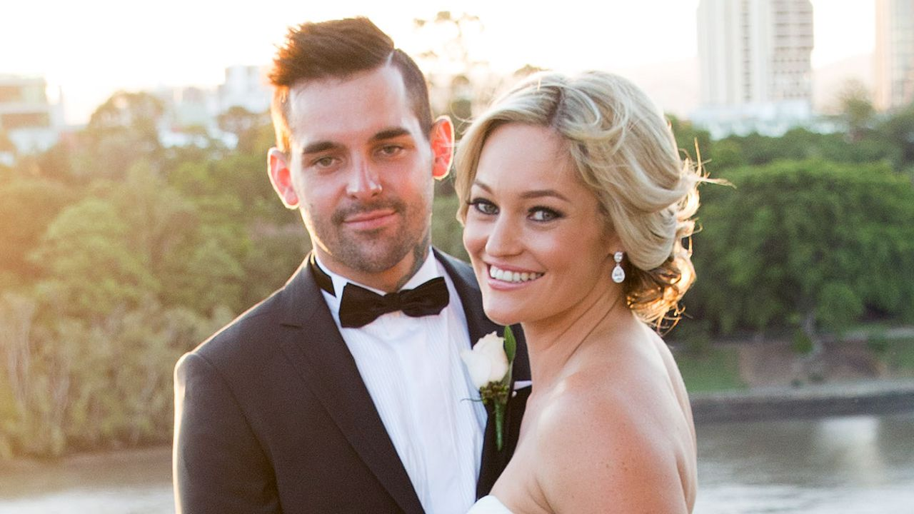 Keller Nicole Married Sight Extras Season 3 Exclusive Content 3rd