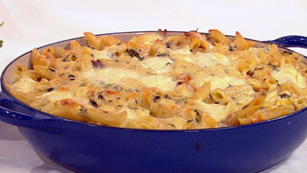 Roast chicken and thyme pasta bake