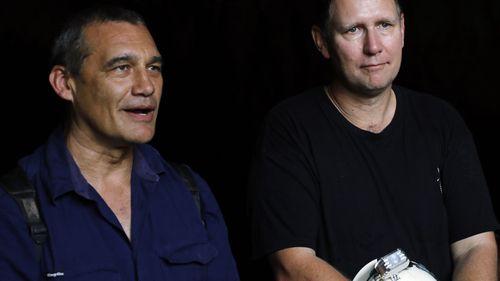 Members of the Thai cave rescue team, Australian doctors divers Craig Challen (L) and Richard Harris (R).