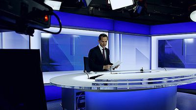 Lateline will shift to a new timeslot on ABC News24. Pictured, presenter Joe O'Brien at the ABC News24 set in Ultimo. (Supplied)